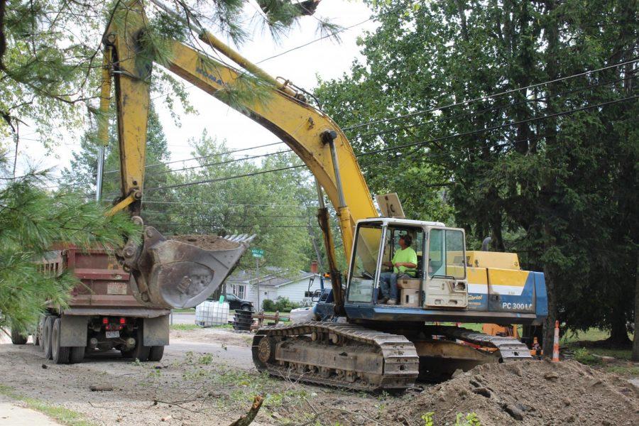 Construction on Chardon Avenue halts all on-coming traffic